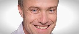 Er bietet ab sofort eine kardiologische Notfallsprechstunde an: Prof. Dr. med. Jörg Schwab.