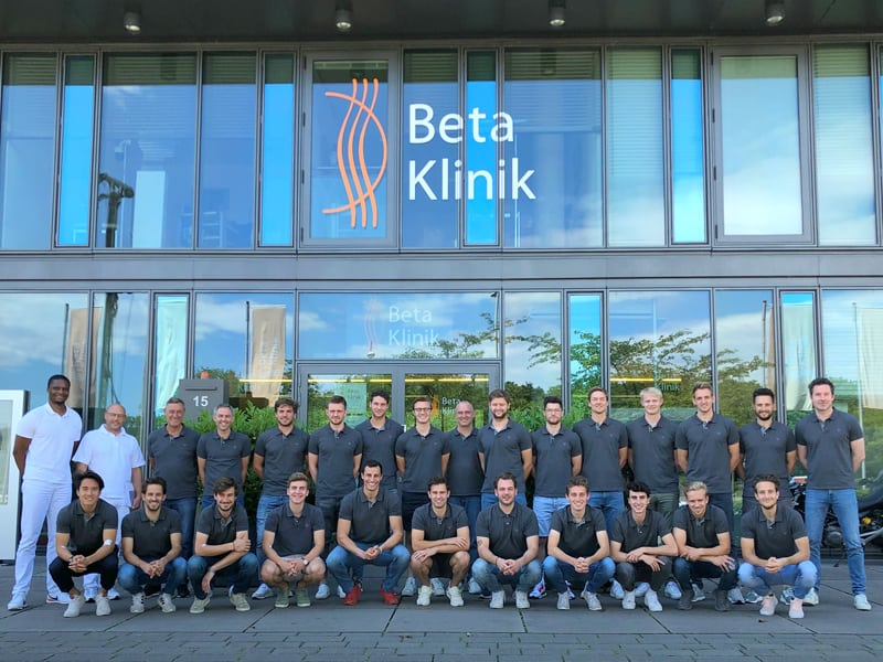 Beta_Klinik_Hockey-Nationalmannschaft_Gruppenbild_Beta-Klinik-Bonn